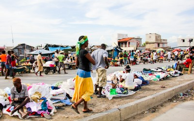 Known as one of the largest open-air markets, Hells Kitchen is known for its odor due to the immense variety of products on sale ranging from animals, food, clothing and even garbage. But also as a workplace for hundreds of people who walk miles to get a chance to raise some money. Port-Au-Prince, Haiti, 2012.